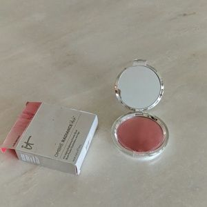 it cosmetics Makeup - Make up nwt